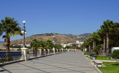 Reggio Calabria in half a day with a tour guide