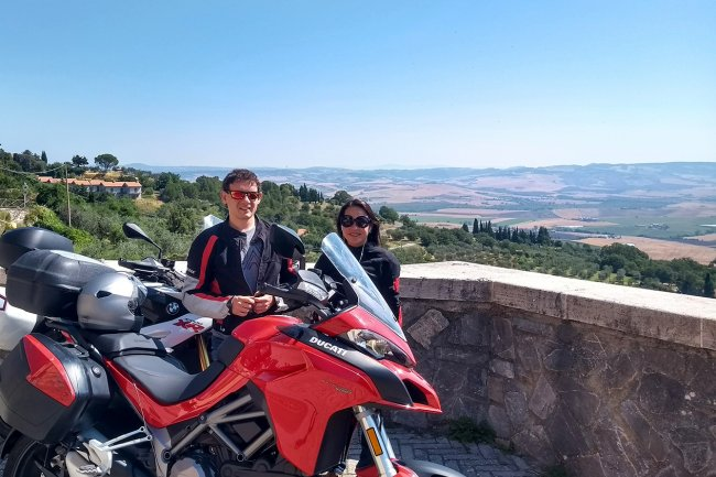 Motorcycle tour of Chianti and Val d'Orcia in 2 days