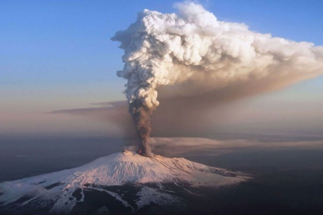 Trekking on Etna: An adventure to enjoy!